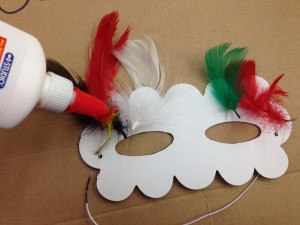 french camp crafts: decorate mardi gras mask